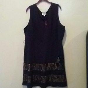 Sleeveless evening dress